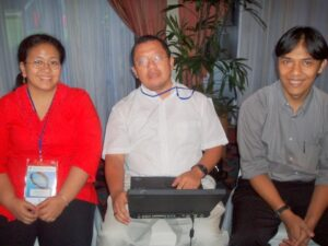 Image of Onno Purbo at LIRNEasia research event in Indonesia, 2005